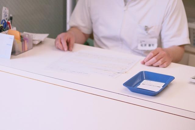 問診票の記入|白河のジュンデンタルクリニック